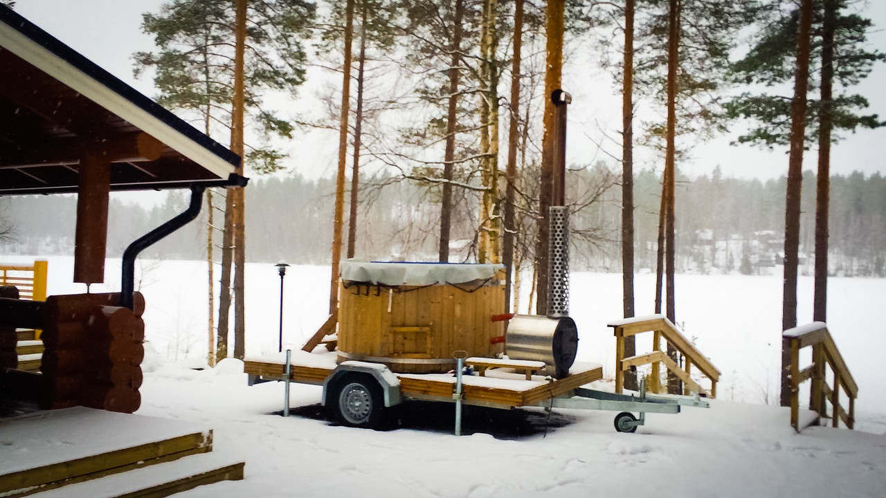 finland winter hot tub