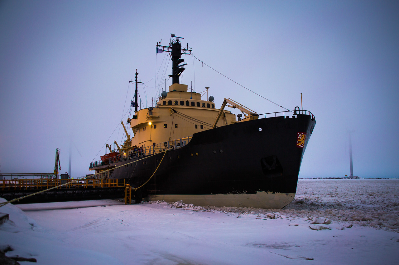 winter in finland sampo icebreaker