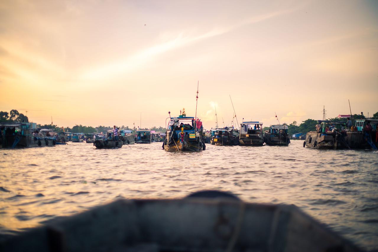 Cai Rang floating market, mekong delta