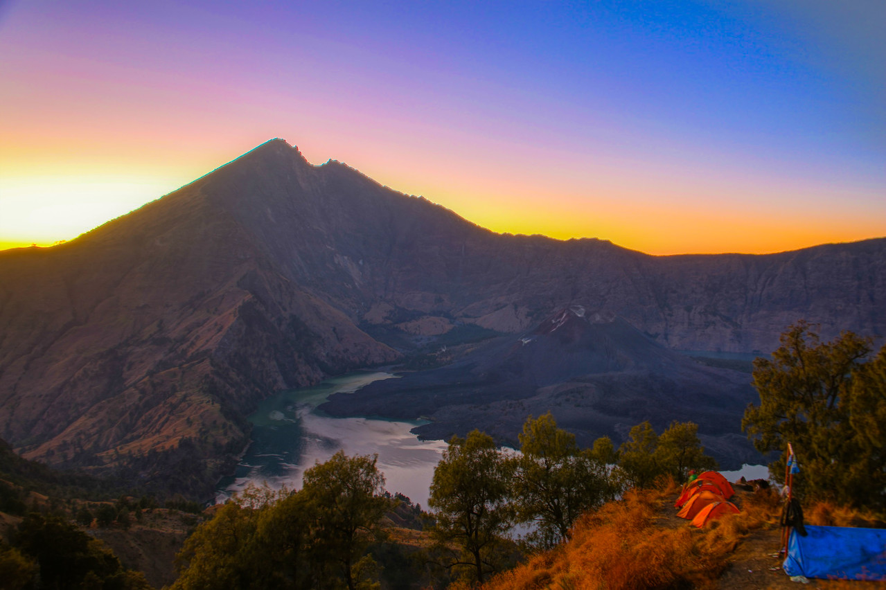 mount rinjani trek sunrise