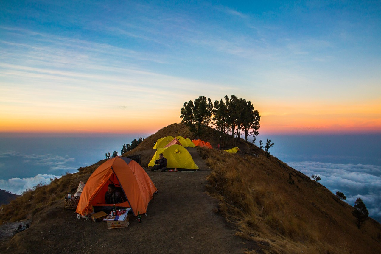 rinjani trek sembalun crater camp day 1