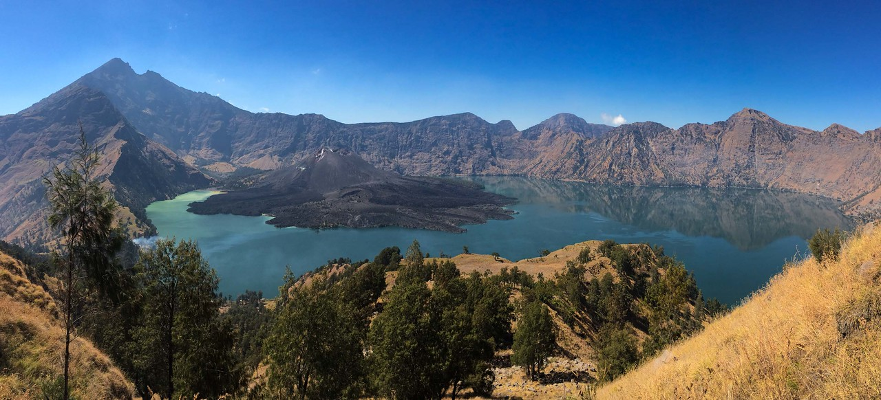 Mount Rinjani trek Caldera Lake View Day 3