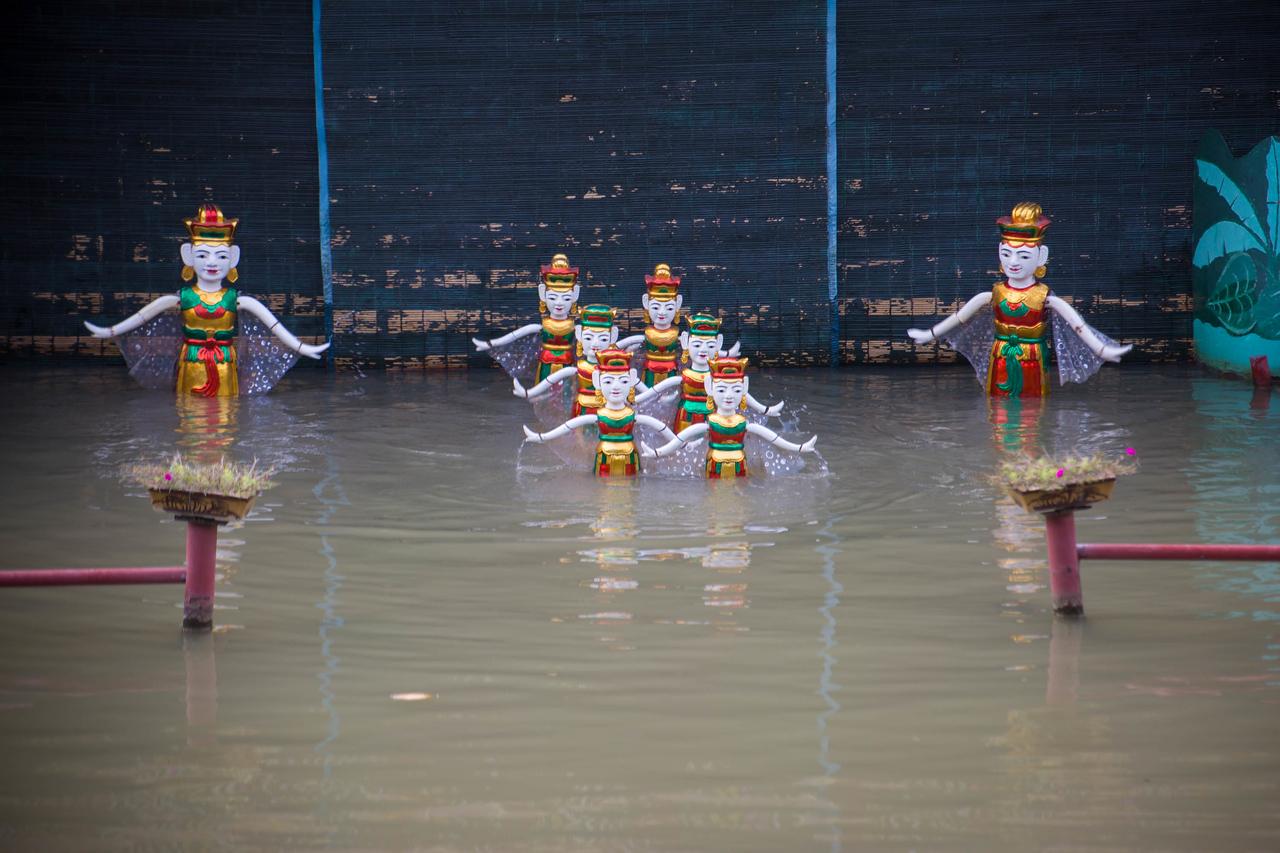 Homestay Vietnam water puppets